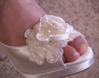 Bridal Shoes Ivory High Heels,Ivory Satin High Heel Platform Peep Toe Pumps, Beautiful Flower, Lace & Pearls, Wedding Heels, Romantic