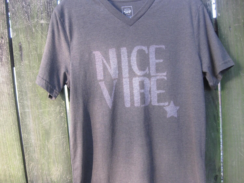 Ichigo 39 s nice vibe t shirt inspired by the bleach anime for Bleach nice vibe shirt