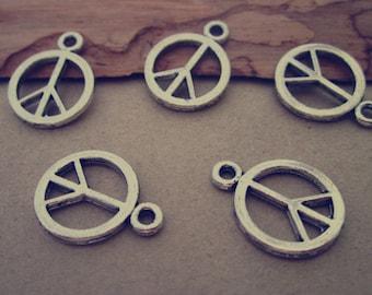 25pcs Antique silver Peace symbol charm pendant  14mm