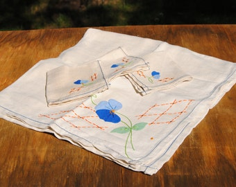 Vintage Embroidered Patchwork Tablecloth and Napkin Set