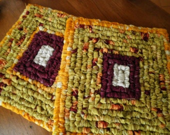Set Of Two 7 x 7 Inch Hand Hooked Pot Holder / Trivets. Fabric Hot Pads, Set Of Table Mats, Country Kitchen Mats