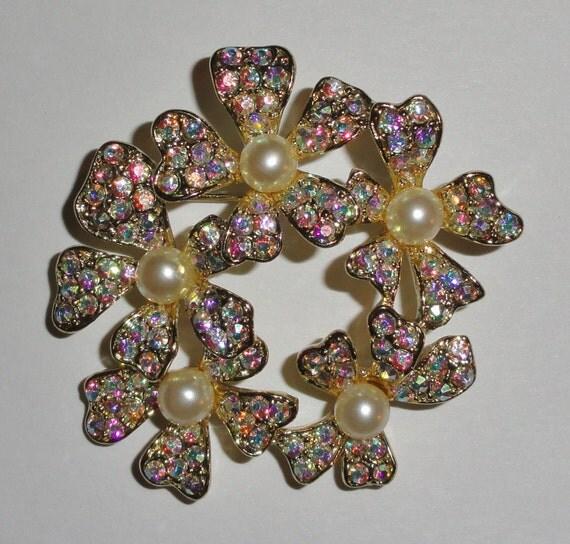 Signed TARA Delizza Elster Sparkling Borealis Rhinestone & Pearl Flower Floral Vintage Brooch