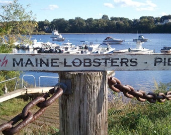 """Weathered """"FRESH MAINE LOBSTERS"""" Sign"""
