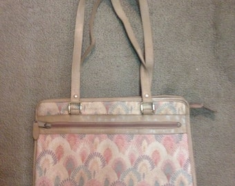 Vintage pastel colored fan/shell patterned carpet/tapestry style purse