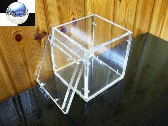 quadratische transparenten plexiglasbox mit deckel von hiprogress. Black Bedroom Furniture Sets. Home Design Ideas