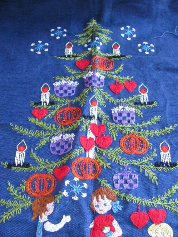 Old vintage unfinished embroidery crewel christmas tree piece