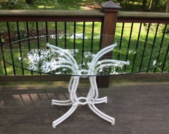 Faux bamboo metal pedestal base dining/patio table- Local Pick Up Akron, Ohio