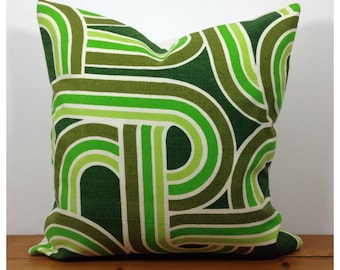 Vintage 70s Green Graphic Cushion Cover . Retro Green Throw Pillow