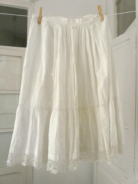 antiquaires v tements coton jupon romantique boh me victorian. Black Bedroom Furniture Sets. Home Design Ideas