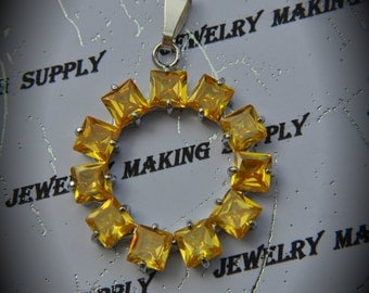 Silver Plated Circle Pendant With Yellow Cubic Zirconia