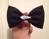 SALE Fish bone hair bow