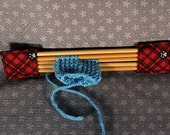 Red Plaid Double-pointed Knitting Needle Holder with Gray Paw Prints