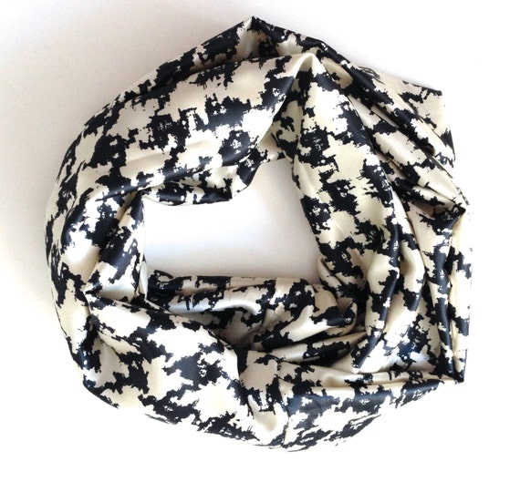black and white houndstooth infinity scarf by onestitchaway
