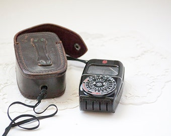 Vintage GE Light Meter with Case, General Electric Model #8DW48Y6