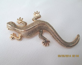 Lizard large pin gold finished metal