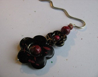 JEWELRY SALE- Beaded Bookmark -Red and Black Flowers