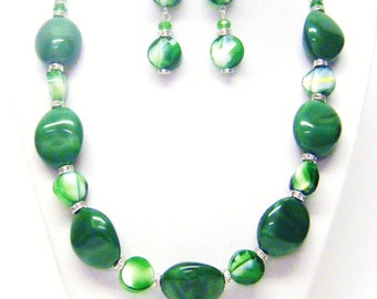 Chunky Green Nuggets w/Green & White Faceted Bead Necklace and Earrings Set