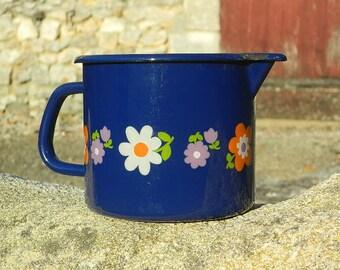1960 Vintage Pot or saucepan milk