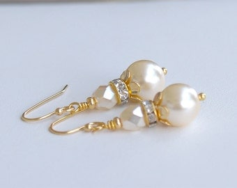 SALE Cream Bridesmaid Earrings - Cream Pearl Earrings in Gold - Bridesmaid Earrings - Ivory Pearl Dangle Earrings - Pearl Drop Earrings