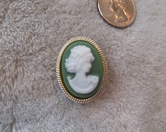 Vintage Pin- Green Lady Cameo-P2356