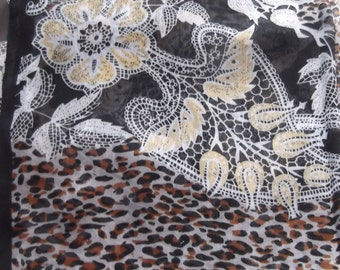 Stunning Soft & Silkie Leopard Print Scarf