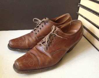Antique 1930s Chestnut Brown Leather Granny Boots //  Size 8.5