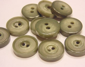 11 vintage moss green buttons, 13 mm (45)