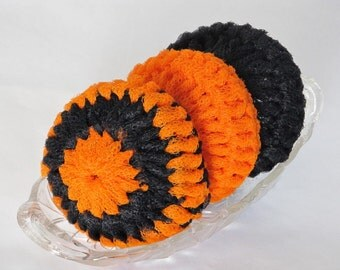 Nylon Dish Scrubbies For Your Kitchen In Two Colors Orange And Black