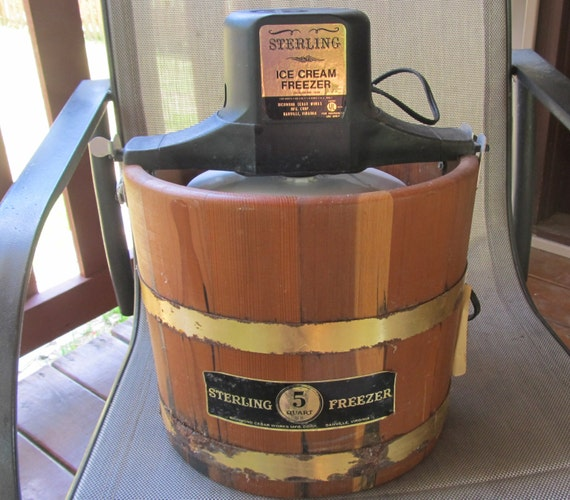 Vintage Sterling Homemade Ice Cream Maker Freezer 5 Quart