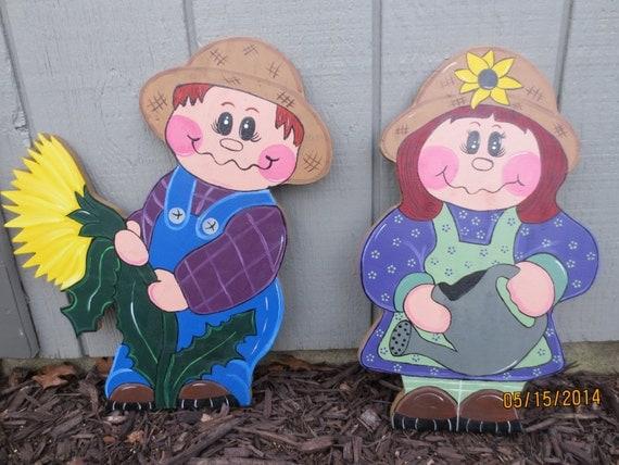 Garden Pal, Garden Helper, Wood Outdoor Decor, Lawn Ornaments, Yard Art, Garden Decor, Garden Yard Art, Garden Pals