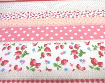 Japanese Fabric Very Cotton Strawberry Border Pink  Fat Quarter