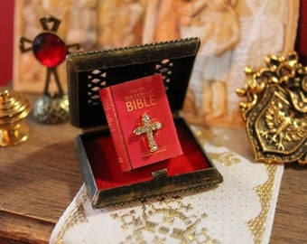 Dollhouse miniature bible with cross