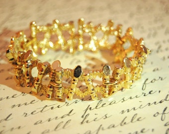 Stunning Haute COUTURE Vintage Textured Heavy Goldtone Bracelet