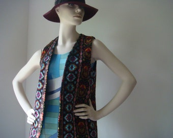Treasury Item // 70's Hippie Boho Tapestry Multicolor Geometric  Vest Union Made  Size XS Small