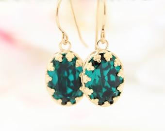 Emerald Earrings | Gold drop earrings set with emerald Swarovski crystals