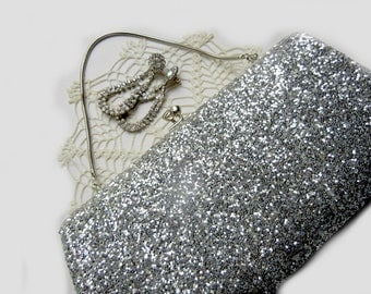 Silver Glitter Holiday Clutch Purse Retro Evening Bag  (Vintage 1960s)