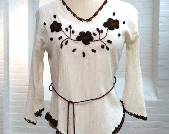 vintage peasant blouse // ivory gauze embroidered top // XS // 1970s