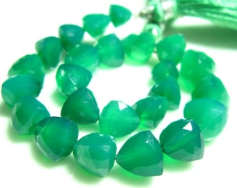 """AAA-Green Onyx Faceted Trillion Briolettes- 7"""" Strand -Stones measure-6-9mm"""