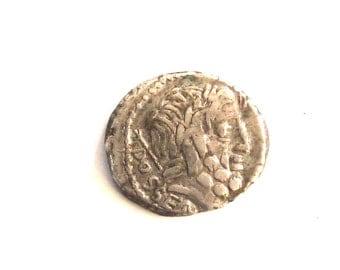 Vintage Roman Silver Coin - denarius - L. Rubrius Dossenus - (87 BC). art. 0005.very old and rare roman coin.