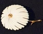 Rare Monet vintage brooch white enamel daisy flower