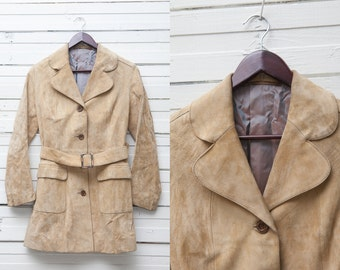 Vintage Suede Jacket / 1970s Tan Brown Suede Button Up Belted Jacket / Small Size / Women's Long Sleeve Short Coat / Leather Jacket