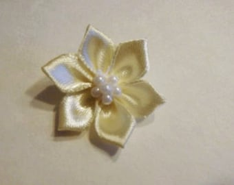 10 small ivory fabric flowers