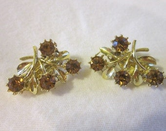 Vintage Gold tone & amber Rhinestones Branch Leaf Flower Clip on Earrings
