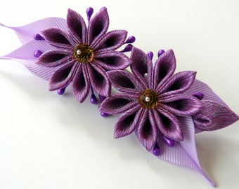 Kanzashi fabric flower hair clip. Purple kanzashi. Purple flower hair clip.