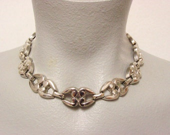 Vintage Silver Tone Link Necklace (retro 50s 60s choker pretty swirl bridal wedding metal simple plain pin up mad men)
