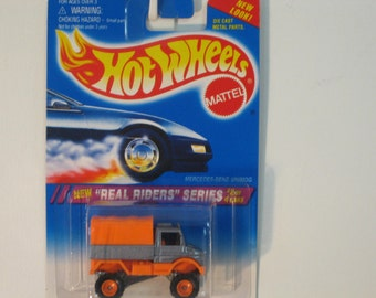 """Mattel Hot Wheels """"Real Rider"""" Mercedes Benz Unimog 1994 with Real Rider Rubber Tires"""