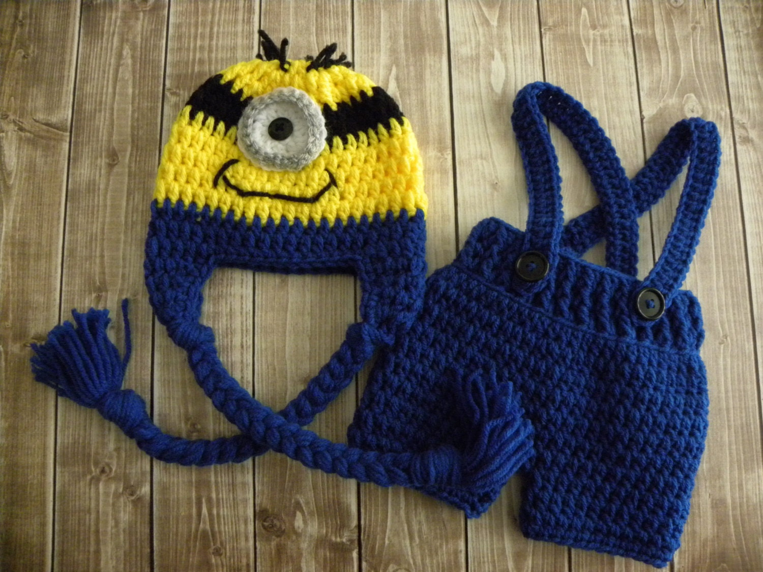 Free Crochet Pattern For Minion Hat And Overalls : Minion Inspired hat and short overalls. Crochet minion