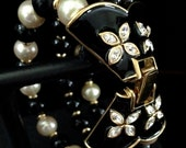 Beautiful Vintage Nina Ricci Glass Pearl Bracelet - Vintageimagine