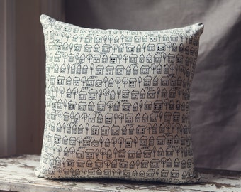 Summerville by Lucie Summers Cushion Cover/pillow with Cream Linen Back.