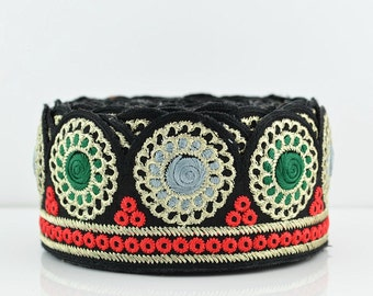 Lace Trim, Embroidered Lace Trim, Border, Indian Style, Round, Jacquard, Geometric, Black, Green, Grey, Gold Thread - 1 meter